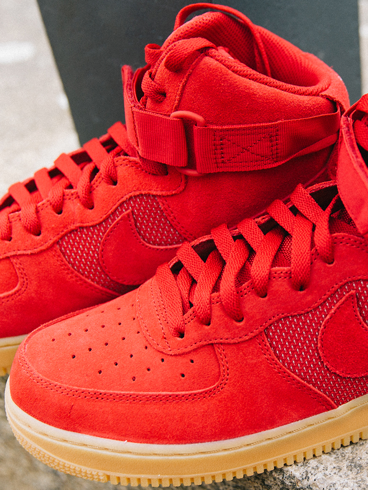 Sneaker Air Force 1 High 07 LV8 in rot_seitlich