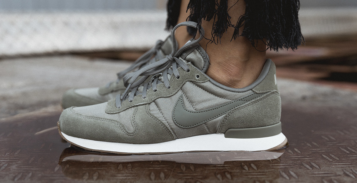 product of the week nike wmns internationalist in olive. Black Bedroom Furniture Sets. Home Design Ideas