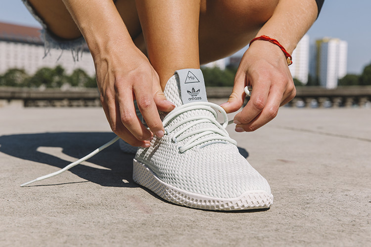 adidas Pharrell Williams Tennis HU Sneaker in mintgrün