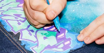 DIY: Let Me Upgrade You - Graffiti Backpiece für Deine Jeansjacke