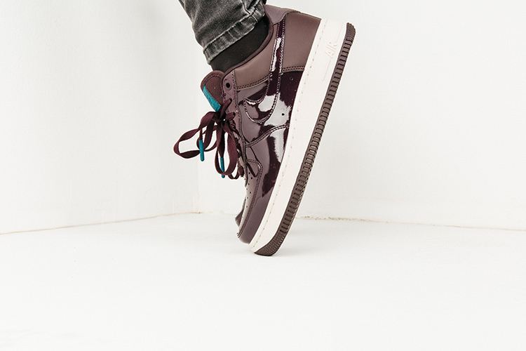 Air Force 1 Premium i Bordeaux