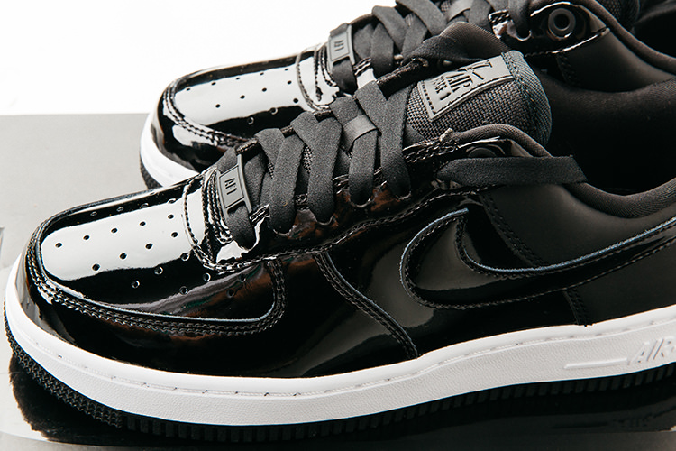 Nike Dame Sneaker Air Force 1 Premium i sort