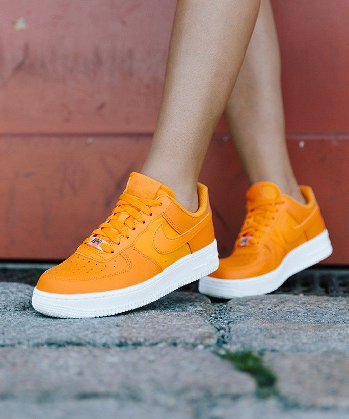 Nike-Air-Force-1-orange